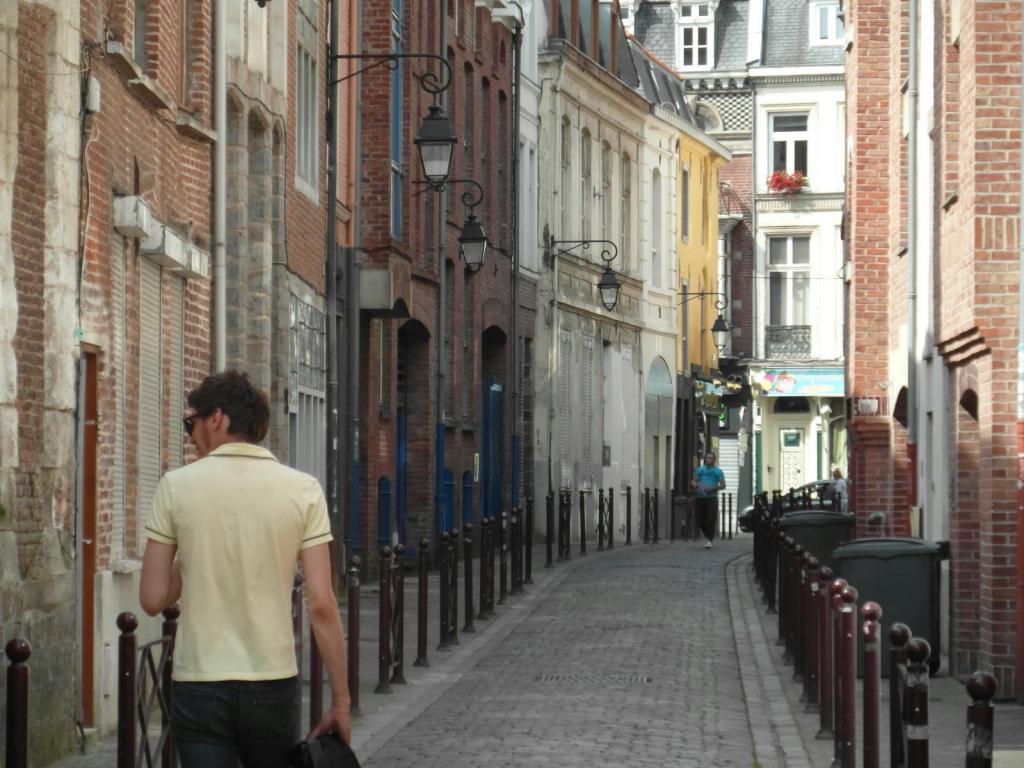 PARKING A LOUER - VIEUX LILLE - 100 € charges comprises par mois