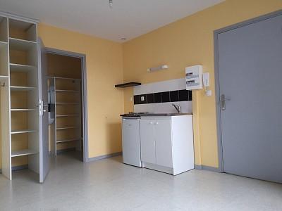 STUDIO A LOUER - HAUBOURDIN - 20,12 m2 - 400 € charges comprises par mois