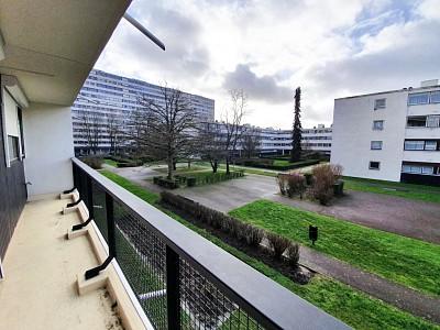 STUDIO A LOUER - LILLE ST MAUR ST MAURICE PELLEVOISIN - 42,86 m2 - 600 € charges comprises par mois