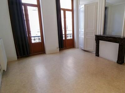 APPARTEMENT T3 A LOUER - LILLE WAZEMMES - 66,47 m2 - 840 € charges comprises par mois