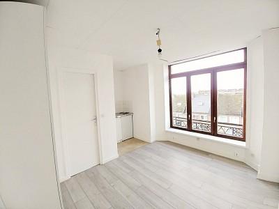 STUDIO A LOUER - LILLE BOIS BLANCS MARX DORMOY - 14,62 m2 - 330 € charges comprises par mois