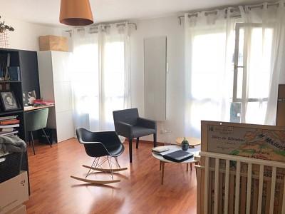 STUDIO A LOUER - LILLE Vieux Lille - 33,08 m2 - 600 € charges comprises par mois
