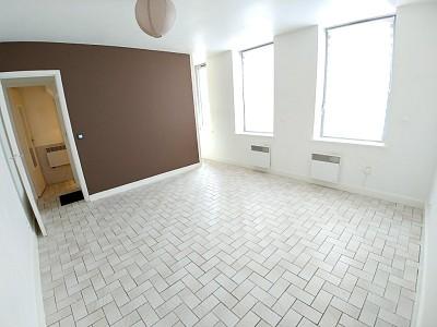 STUDIO A LOUER - LAMBERSART - 25 m2 - 460 € charges comprises par mois