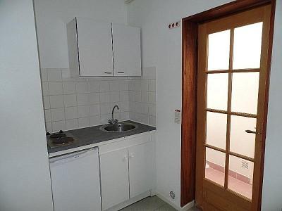 STUDIO A LOUER - LILLE WAZEMMES - 16,59 m2 - 375 € charges comprises par mois