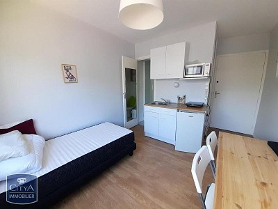 STUDIO A LOUER - LA MADELEINE - 12,6 m2 - 370 € charges comprises par mois