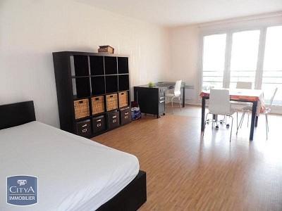 STUDIO A LOUER - LILLE VAUBAN - 32,6 m2 - 565 € charges comprises par mois
