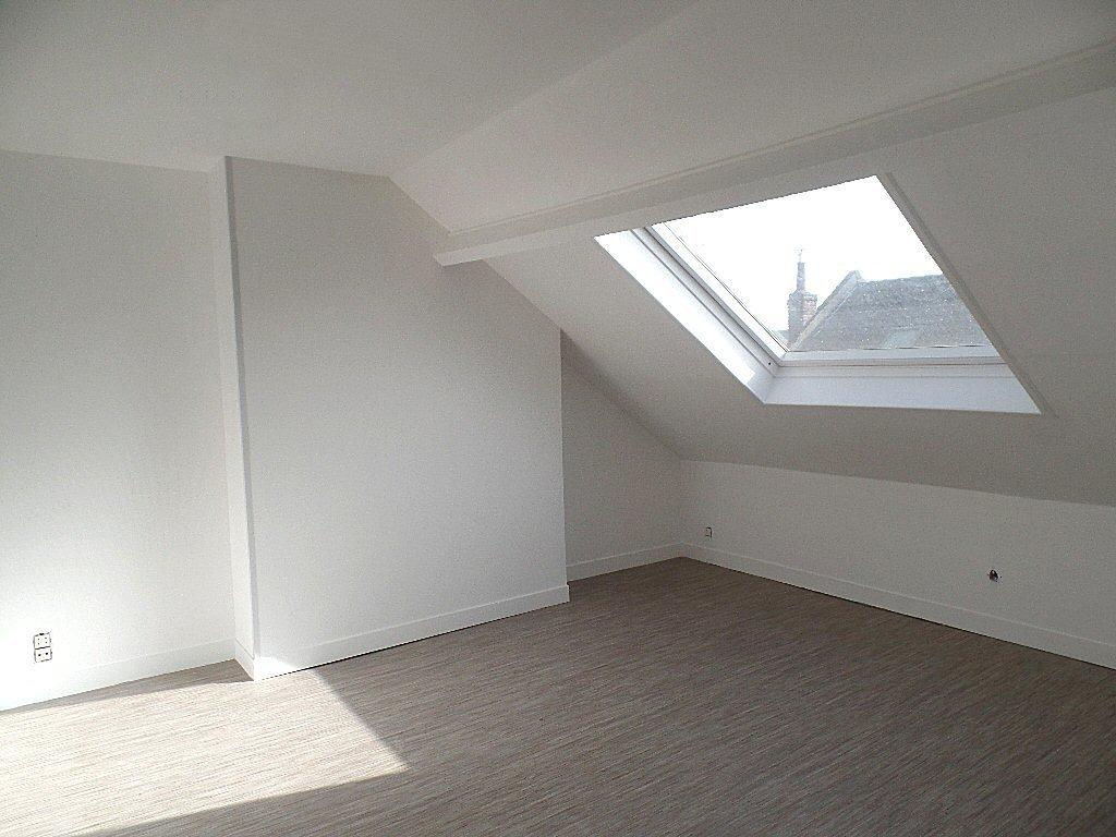 studio lille montebello 17 07 m2 lou immobilier lille agence immobilire descampiaux. Black Bedroom Furniture Sets. Home Design Ideas