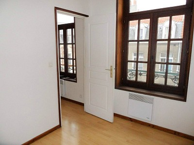 STUDIO A LOUER - LILLE WAZEMMES - 24,5 m2 - 460 € charges comprises par mois