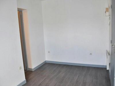 STUDIO A LOUER - LILLE CENTRE - 19,03 m2 - 415 € charges comprises par mois