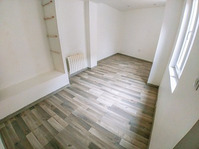 LOCAL COMMERCIAL A VENDRE - ARMENTIERES - 100 m2 - 118500 €