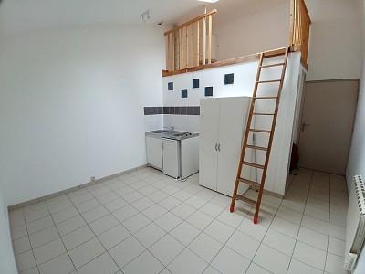 STUDIO A LOUER - LILLE MOULINS - 18,71 m2 - 420 € charges comprises par mois