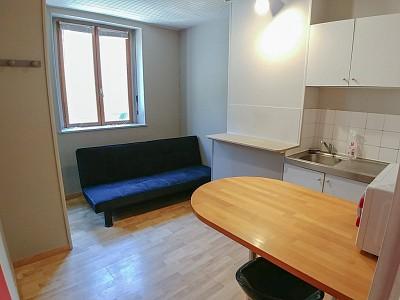 STUDIO A LOUER - LILLE ST MICHEL - 11,92 m2 - 315 € charges comprises par mois