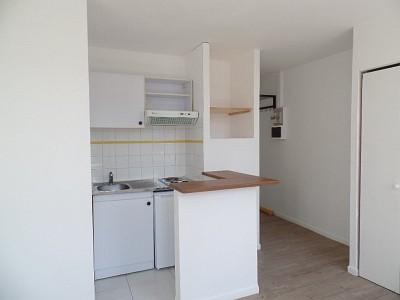 STUDIO A LOUER - LILLE ST MICHEL - 21,39 m2 - 440 € charges comprises par mois