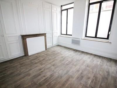 STUDIO A LOUER - LILLE VAUBAN NATIONALE - 28,64 m2 - 510 € charges comprises par mois