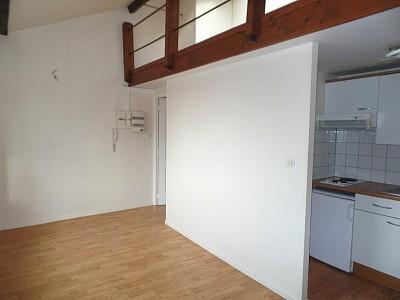 STUDIO A LOUER - LILLE WAZEMMES - 23,65 m2 - 480 € charges comprises par mois