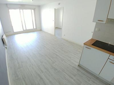 APPARTEMENT T2 A LOUER - ARMENTIERES - 39,73 m2 - 530 € charges comprises par mois