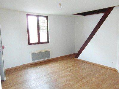 APPARTEMENT T2 A LOUER - BILLY BERCLAU - 27 m2 - 460 € charges comprises par mois