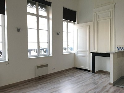 APPARTEMENT T2 A LOUER - LILLE VIEUX LILLE - 37,26 m2 - 685 € charges comprises par mois