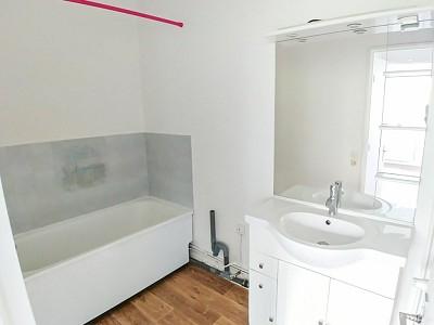 APPARTEMENT T3 A LOUER - LILLE VAUBAN PORT DE LILLE - 62,86 m2 - 920 € charges comprises par mois