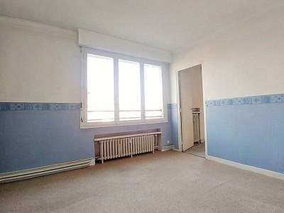 APPARTEMENT T3 - LILLE ST MAUR ST MAURICE PELLEVOISIN - 77,6 m2 - VENDU