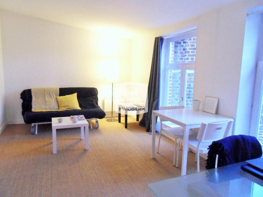 studio lille centre 22 m2 lou immobilier lille agence immobilire descampiaux. Black Bedroom Furniture Sets. Home Design Ideas
