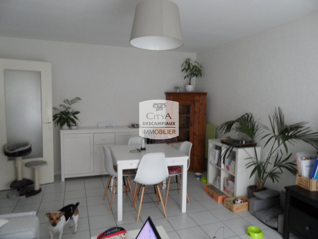 Appartement t2 lille bois blancs 48 35 m2 lou for Agence appartement lille