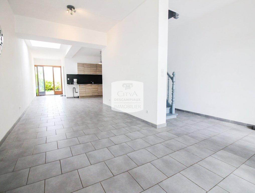 Maison 4 chambres et belle cour. A VENDRE - FRELINGHIEN - 120 m2 - 191500 €