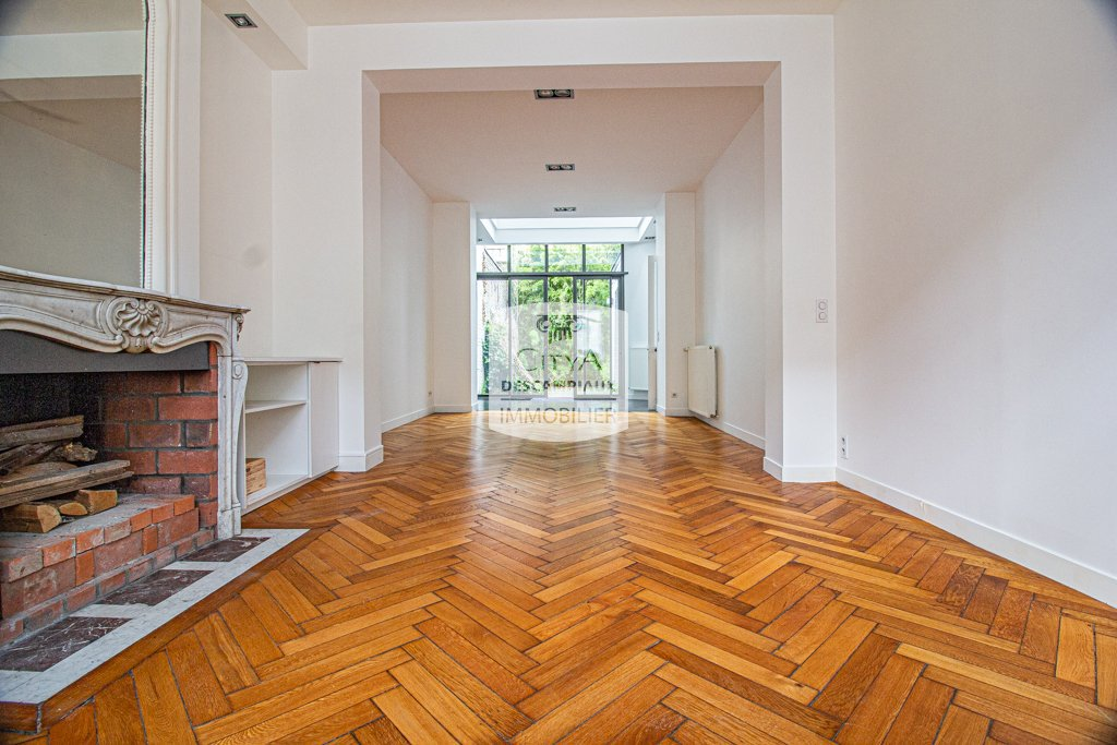 MAISON A VENDRE - LILLE VAUBAN - 250 m2 - 1�0�0 €
