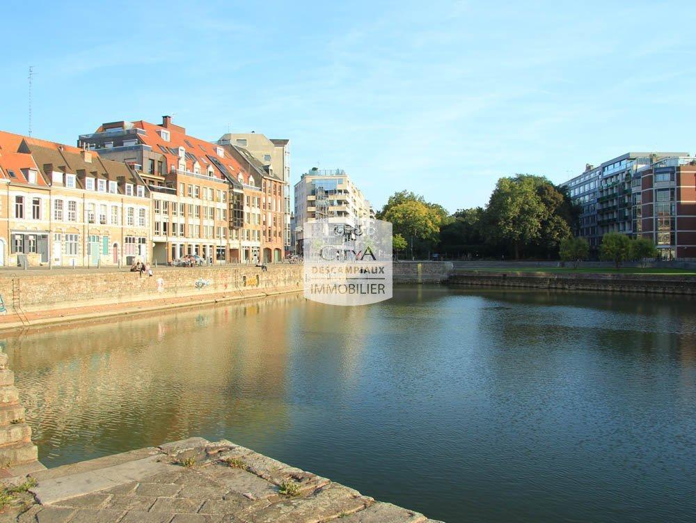 PARKING A LOUER - LILLE VIEUX LILLE - 107 € charges comprises par mois