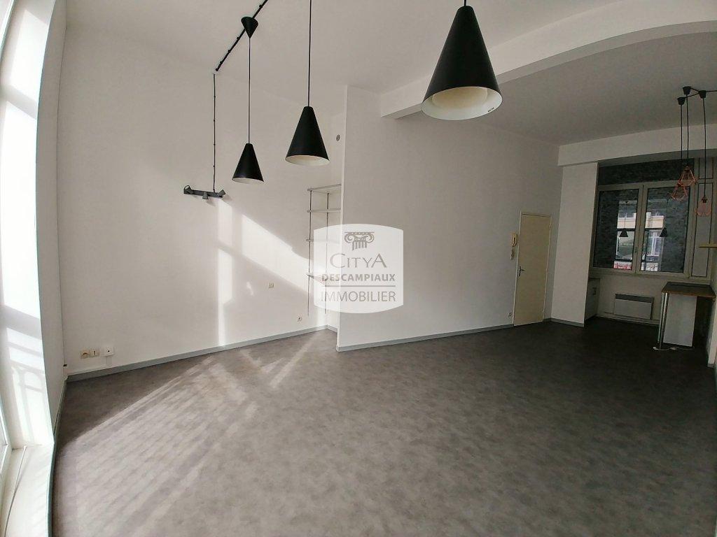 STUDIO - LILLE CENTRE GARES EURALILLE - 34,91 m2 - LOUÉ