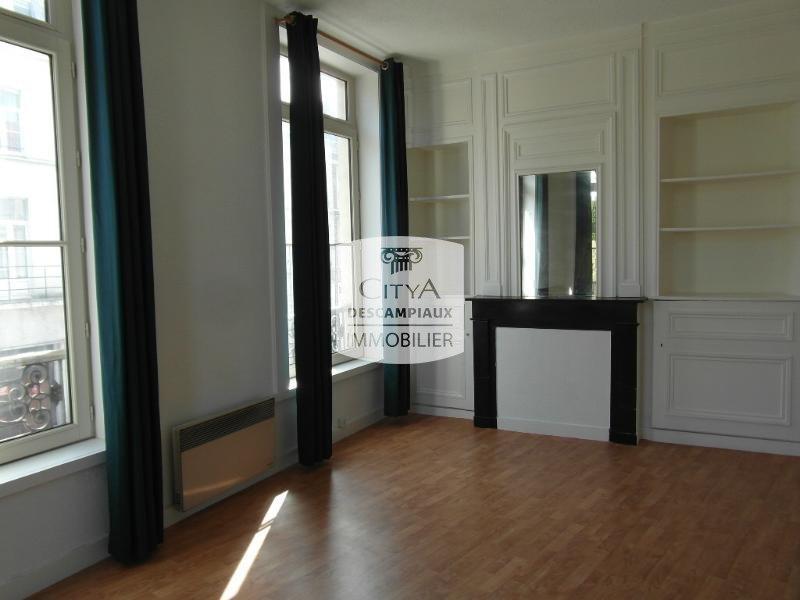 STUDIO A LOUER - LILLE CENTRE GARES EURALILLE - 31,46 m2 - 540 € charges comprises par mois