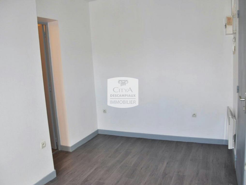 STUDIO - LILLE CENTRE - 19,03 m2 - LOUÉ