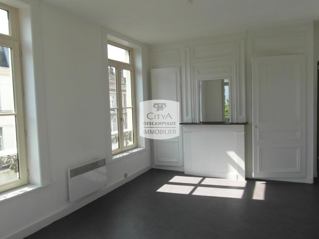 STUDIO A LOUER - LILLE CENTRE - 31,32 m2 - 545 € charges comprises par mois