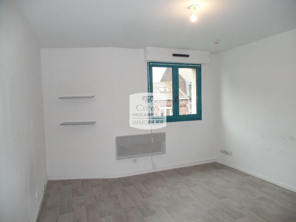 STUDIO A LOUER - LILLE CENTRE - 21,04 m2 - 420 € charges comprises par mois