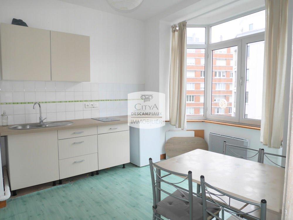 STUDIO A LOUER - LILLE CENTRE - 28,88 m2 - 505 € charges comprises par mois