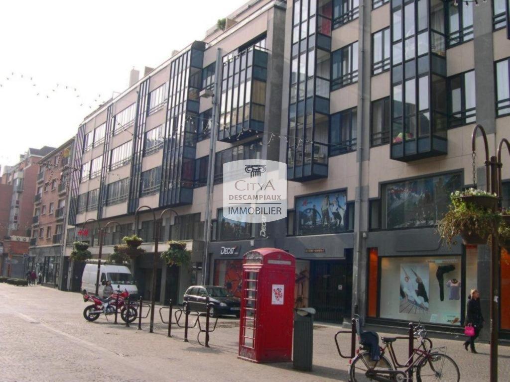 STUDIO A LOUER - LILLE HYPER CENTRE - 14 m2 - 327 € charges comprises par mois