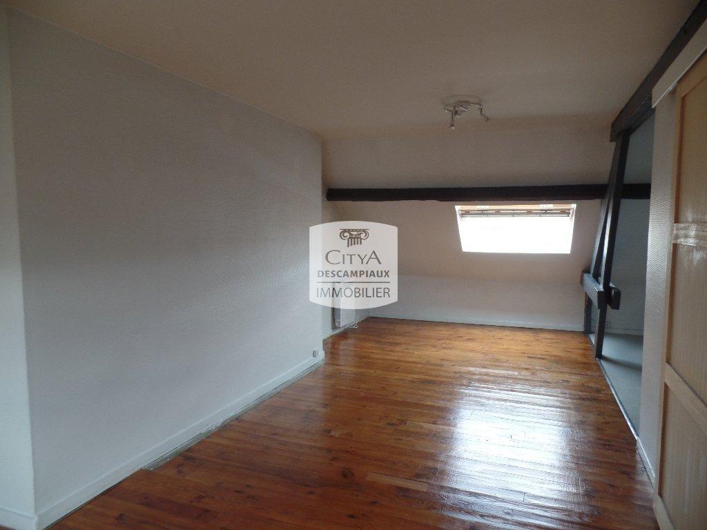 STUDIO A LOUER - LILLE LIMITE RONCHIN - 31,81 m2 - 455 € charges comprises par mois