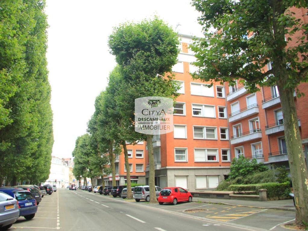 STUDIO A LOUER - LILLE PLACE LECLERC - 36,18 m2 - 485 € charges comprises par mois
