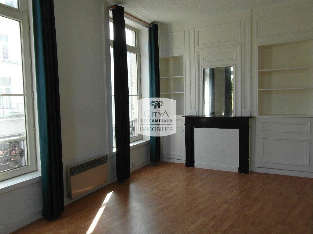 STUDIO A LOUER - LILLE SOLFERINO - 31,46 m2 - 540 € charges comprises par mois