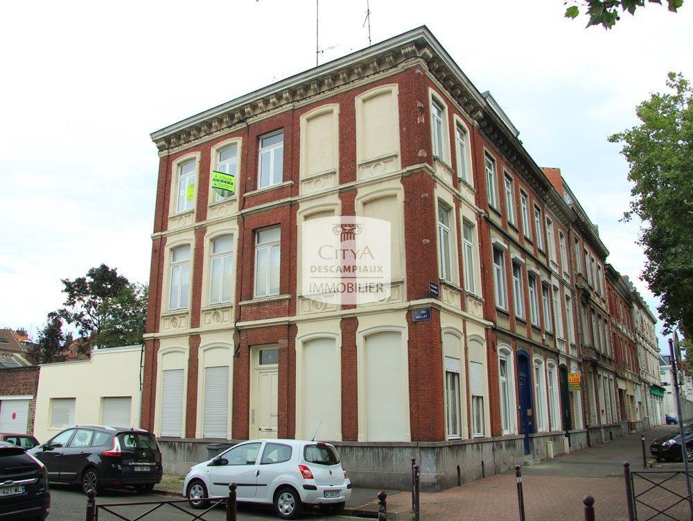 STUDIO A LOUER - LILLE VAUBAN / CORMONTAIGNE - 13,6 m2 - 395 € charges comprises par mois