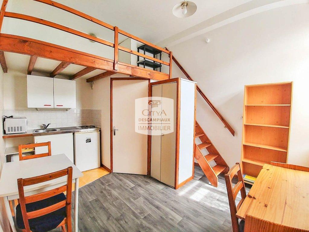 STUDIO A LOUER - LILLE VAUBAN - LA CATHO - 12,07 m2 - 418 € charges comprises par mois