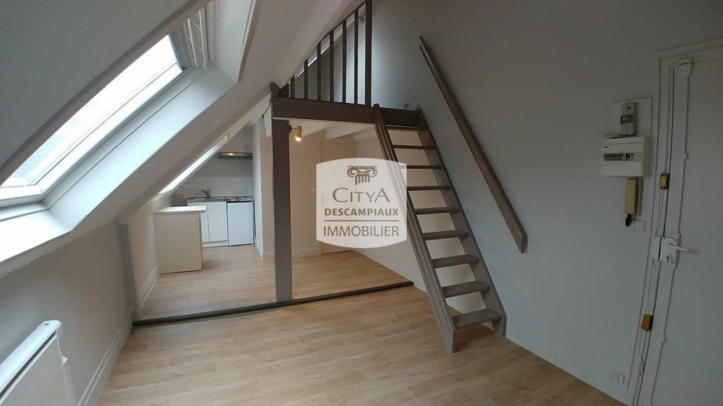 STUDIO A LOUER - LILLE VAUBAN NATIONALE - 23,43 m2 - 480 € charges comprises par mois