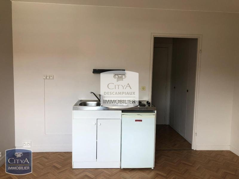 STUDIO A LOUER - LILLE VAUBAN - 20,15 m2 - 450 € charges comprises par mois