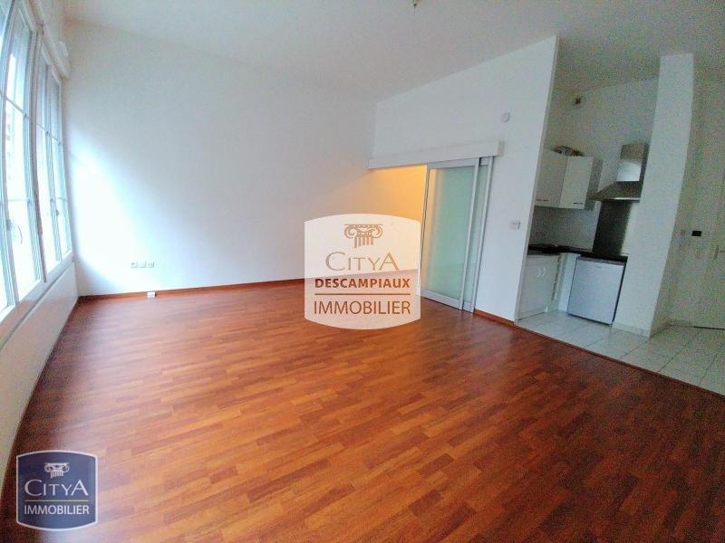 STUDIO A LOUER - LILLE VIEUX LILLE - 45 m2 - 665 € charges comprises par mois