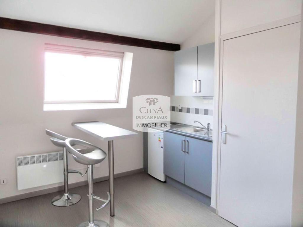STUDIO A LOUER - LILLE WAZEMMES - 20,26 m2 - 425 € charges comprises par mois