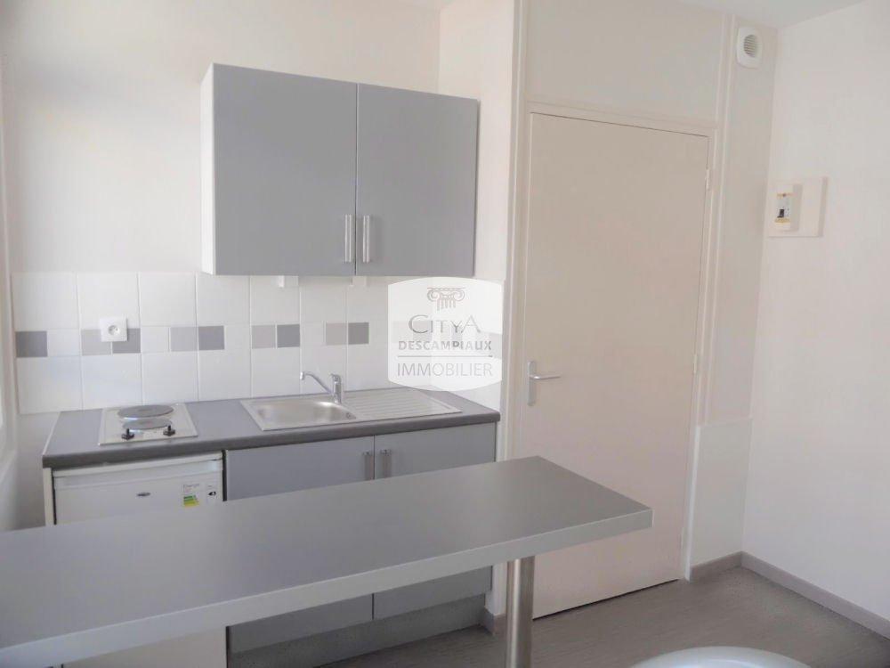 STUDIO A LOUER - LILLE WAZEMMES - 22,31 m2 - 430 € charges comprises par mois