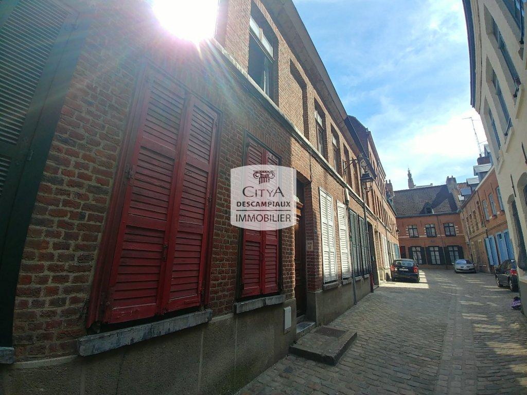 STUDIO A VENDRE - LILLE CENTRE GARES EURALILLE - 19,5 m2 - 119000 €