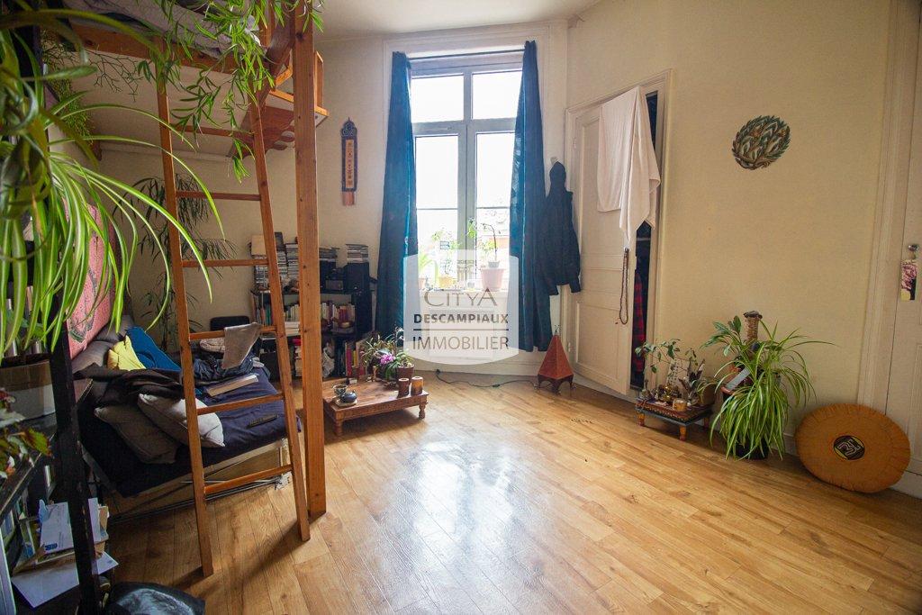 STUDIO - LILLE VAUBAN - 24 m2 - VENDU