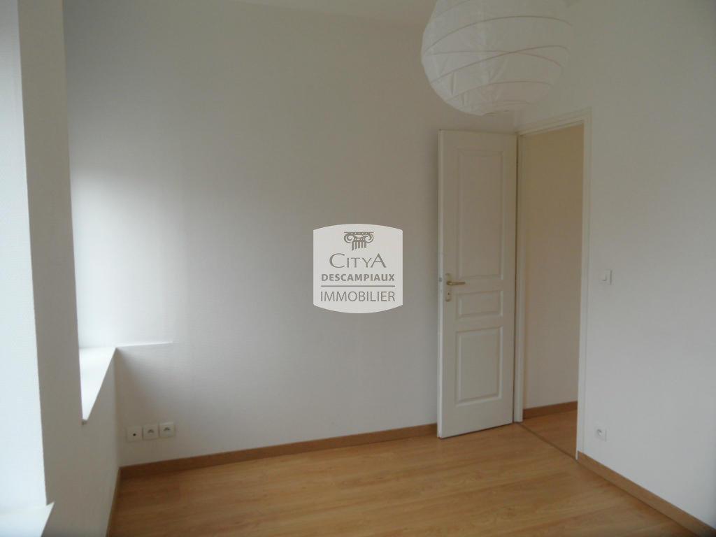 APPARTEMENT T2 A LOUER - HOUPLINES - 35,55 m2 - 450 € charges comprises par mois
