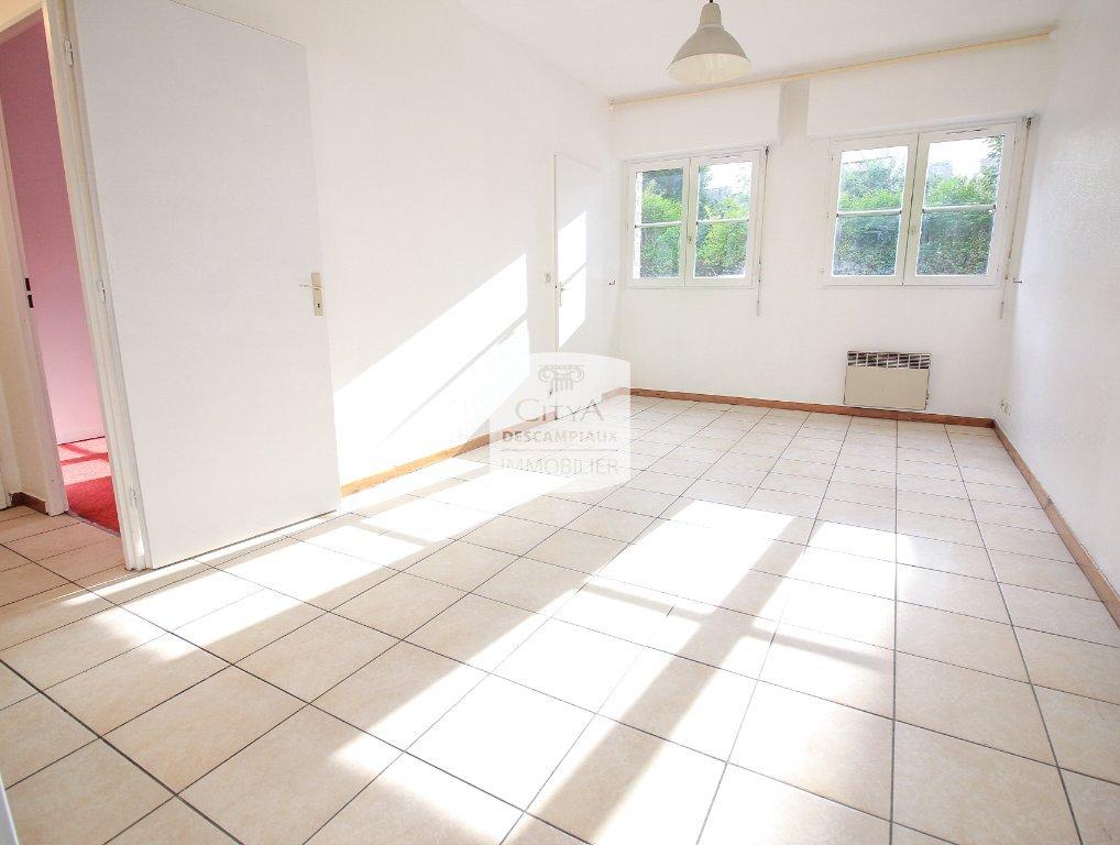APPARTEMENT T2 A VENDRE - LILLE VAUBAN - 40,85 m2 - 181500 €